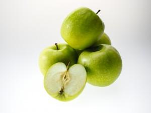 apple-943751 - Боян Петров